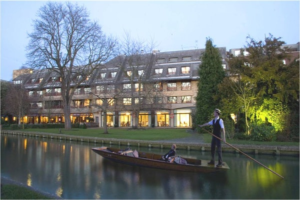 DOUBLETREE BY HILTON CAMBRIDGE header image